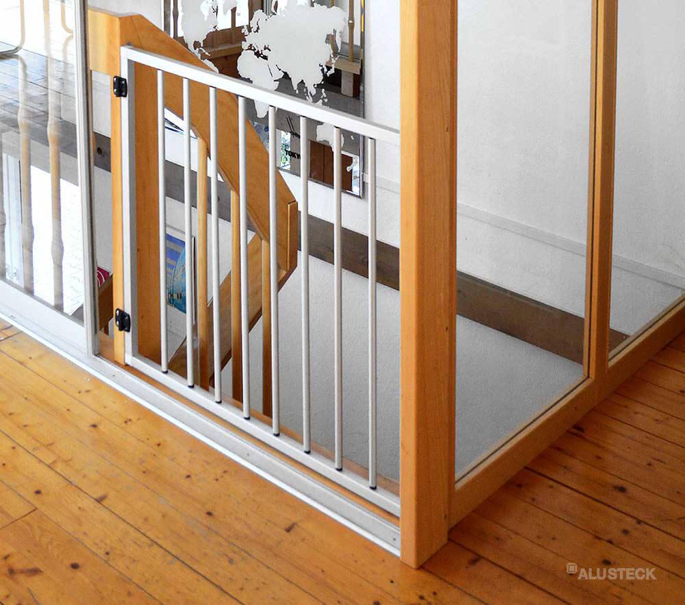 schutzgitter treppe selbst bauen schritt f r schritt bauanleitung alusteck. Black Bedroom Furniture Sets. Home Design Ideas