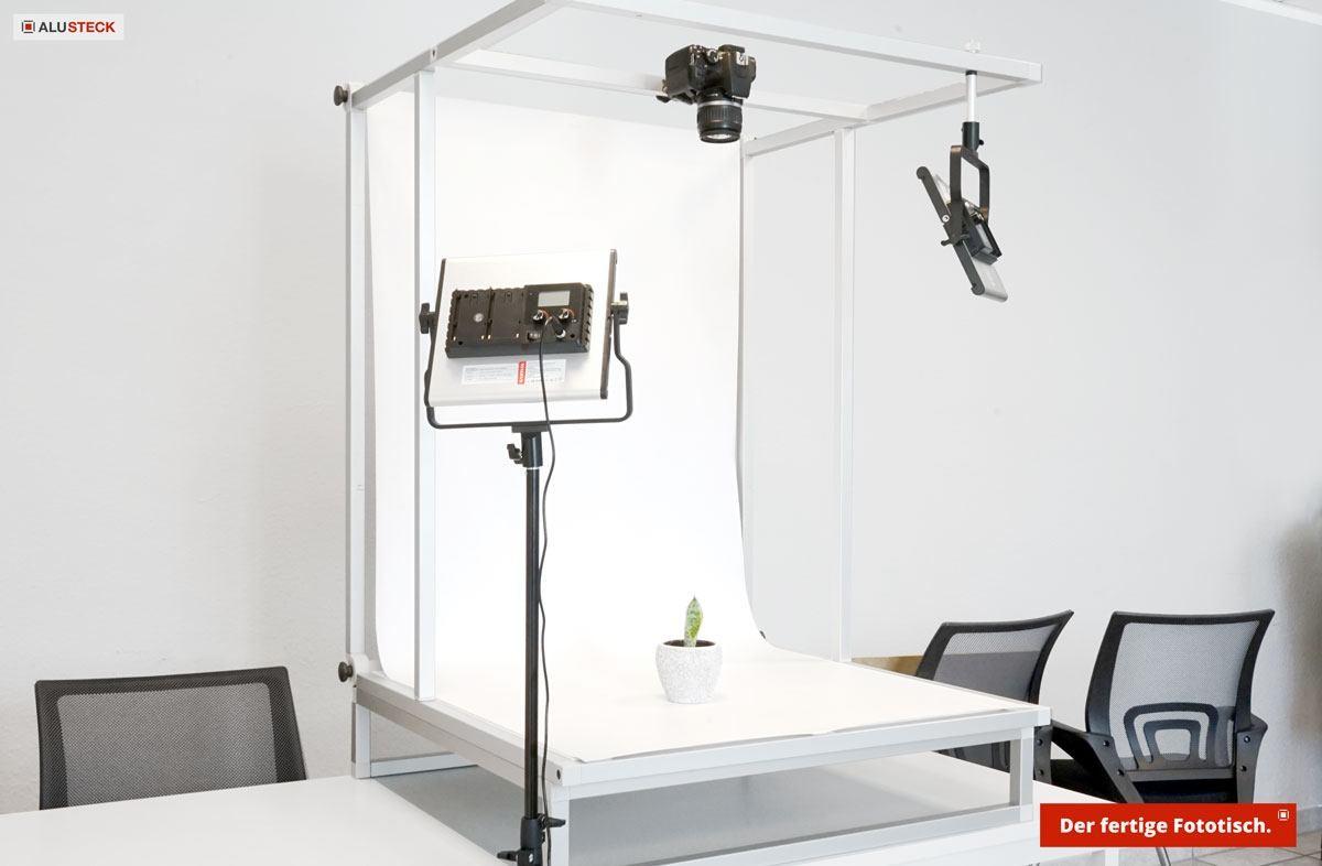 Aufnahmetisch / Fototisch für Fotostudio als Fotobox - ALUSTECK® Konstruktion fertig zusammengebaut