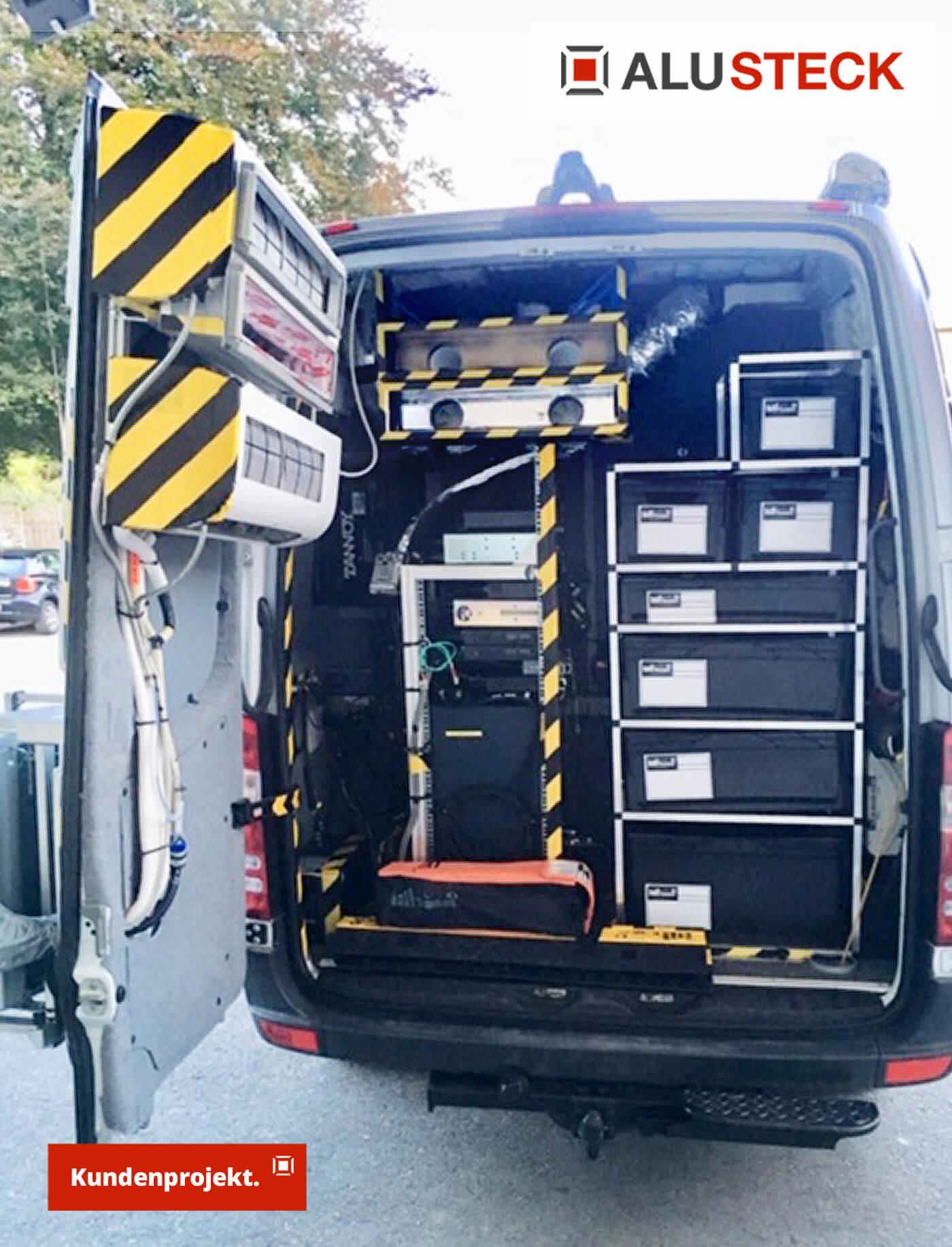 Fahrzeugeinrichtung für Nutzfahrzeuge - Maschinenraum / Stauraum Regalsystem