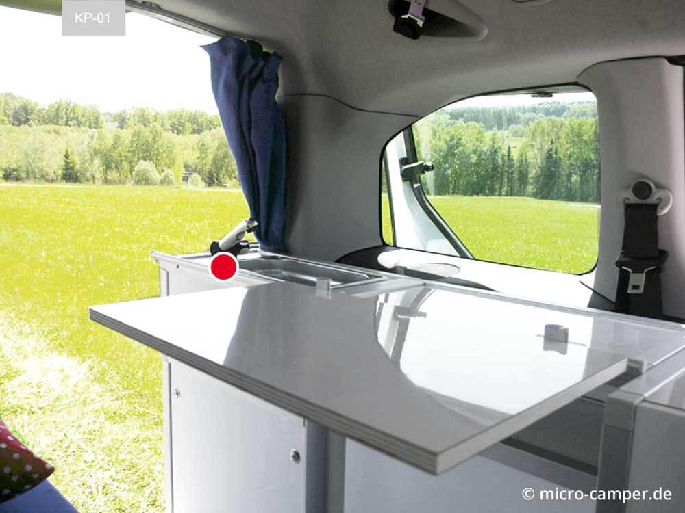 Wassermodul fertig eingebaut mit Spülbecken und Armatur